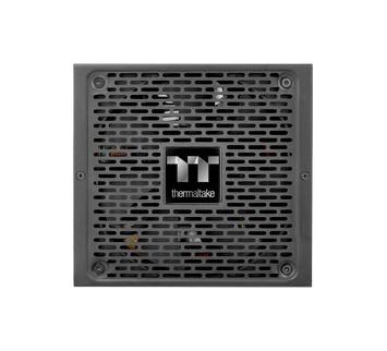 曜越新推出了Smart BM2 450W/550W/650W/750W銅牌認證電源供應器- TT Premium頂級版。這系列平價的新電源採扁平式模組化線材設計,可輕鬆理線。其寬150mm、長160mm、高86mm